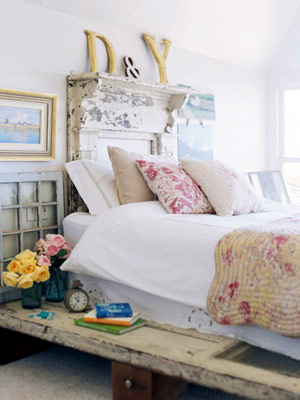 creat comm vintage bedroom.jpg