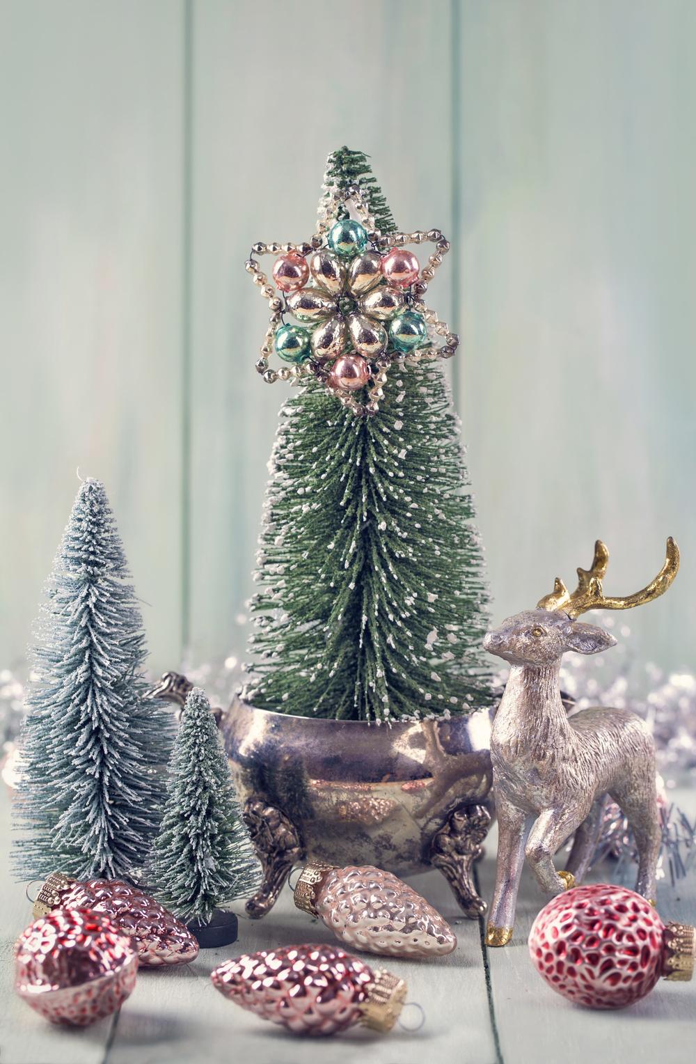Purch MiniTrees Deer Ornam OM STM shutterstock_337105025.jpg