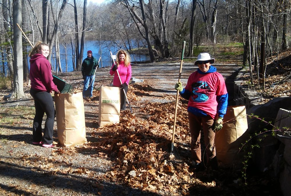 Volunteers for the 2015 Town Wide Clean Up work at the Town Landing.
