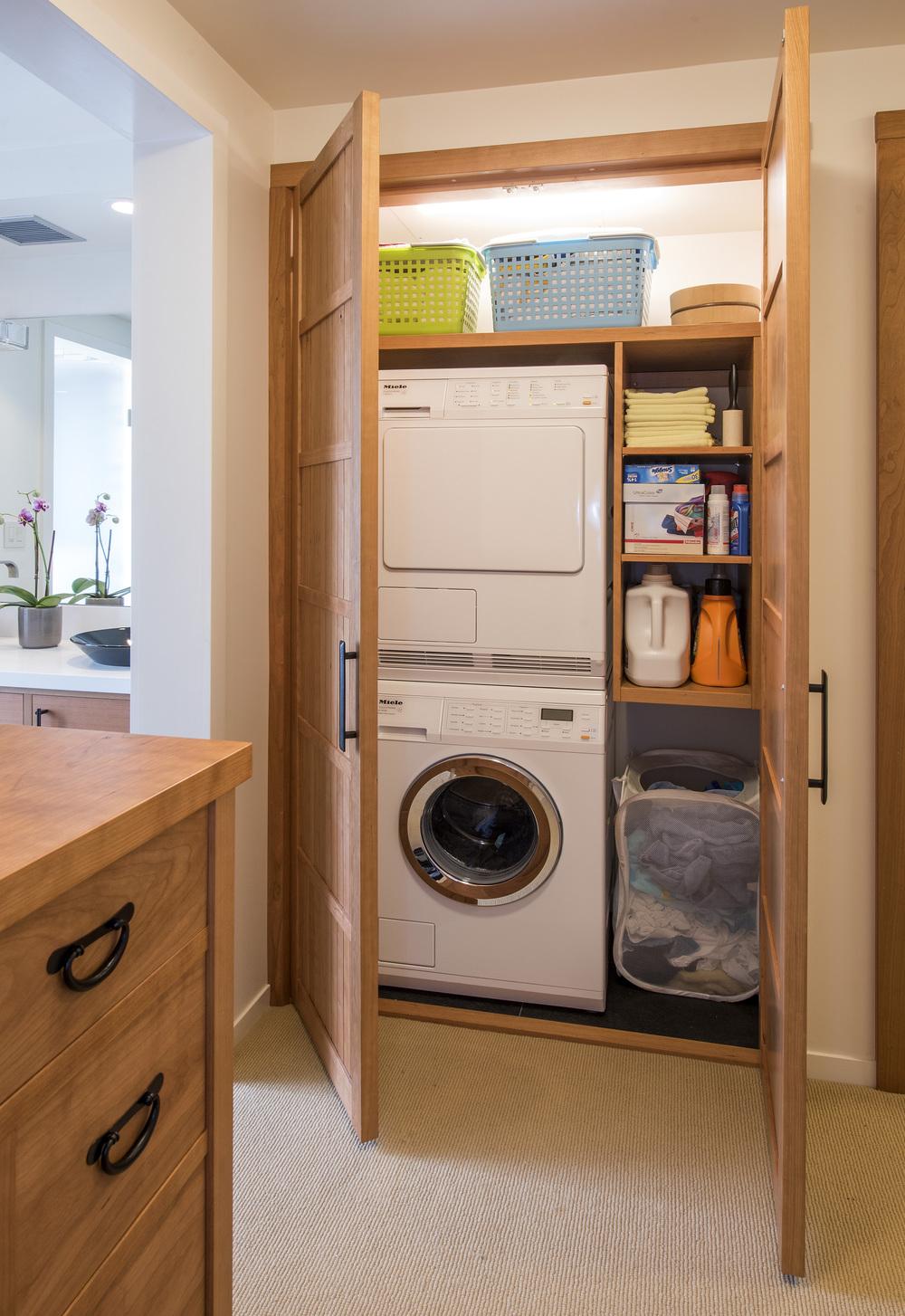 5 crop Laundry Closet DSC_4637.jpg