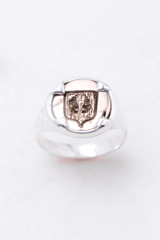 men-women-custom-signet-ring-silver-bronze-3.jpg