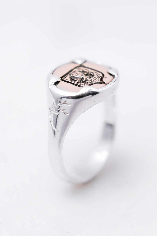 men-women-custom-signet-ring-silver-bronze-6.jpg