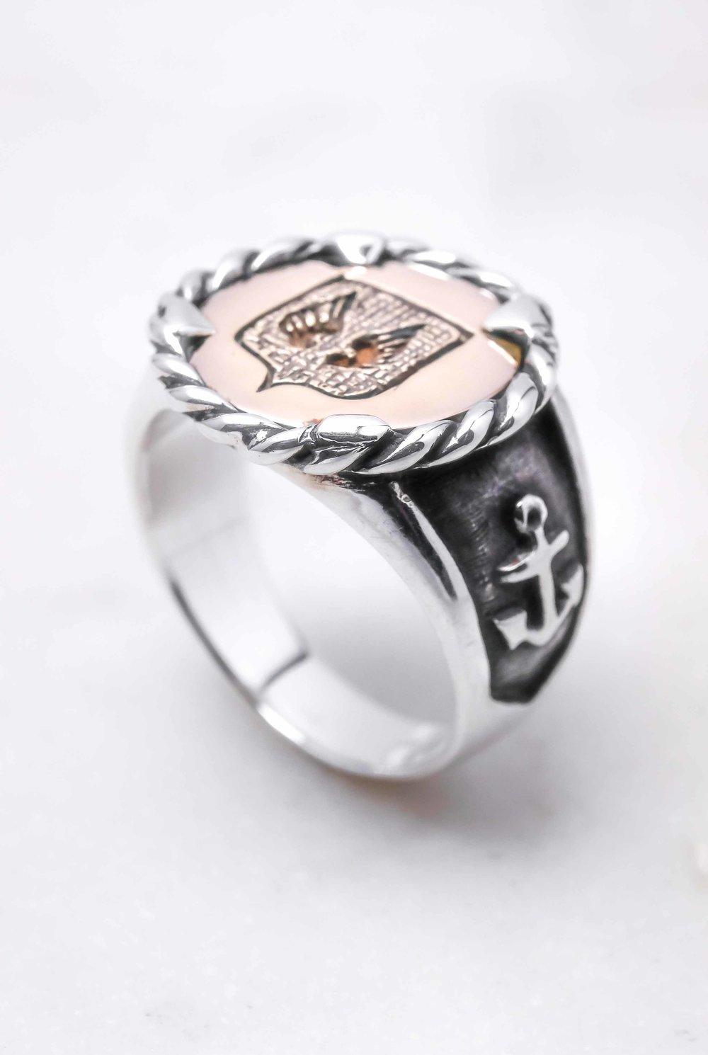 men-women-custom-signet-ring-silver-bronze-10.jpg