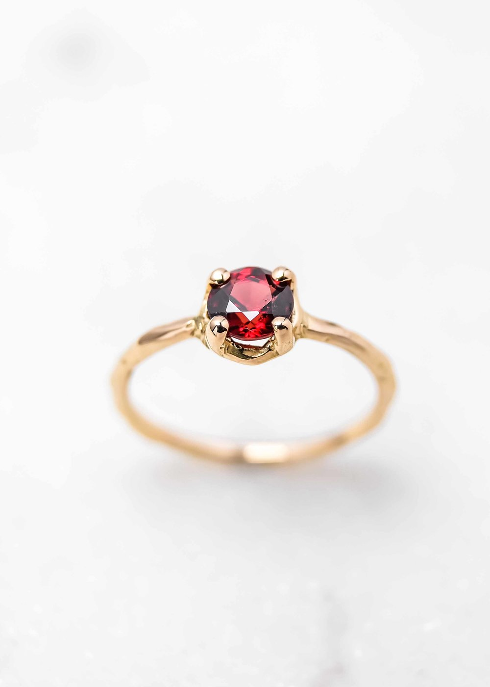 jewelry-wedding-ring-gold-grenat-the-black-alchemy-1.jpg