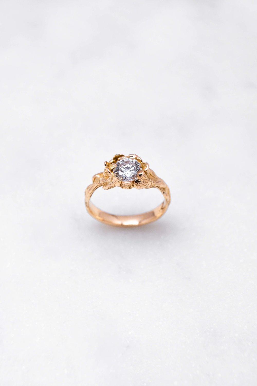 gold-ring-diamond-orphea-the-black-alchemy-7.jpg