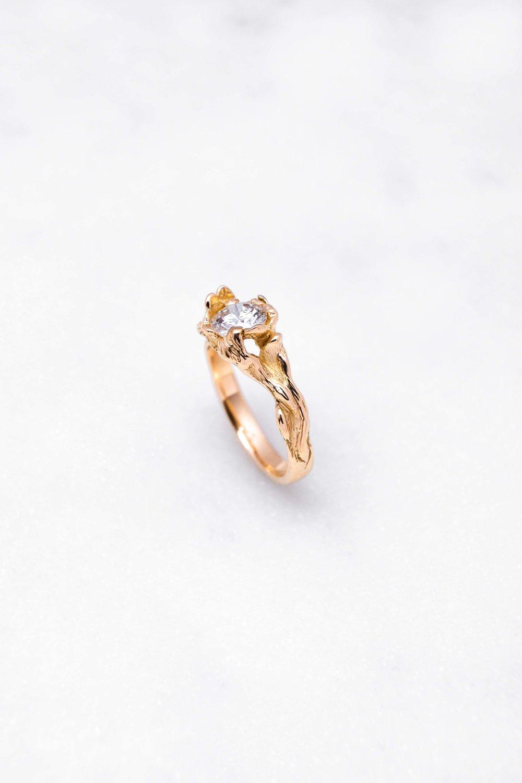 gold-ring-diamond-orphea-the-black-alchemy-14.jpg
