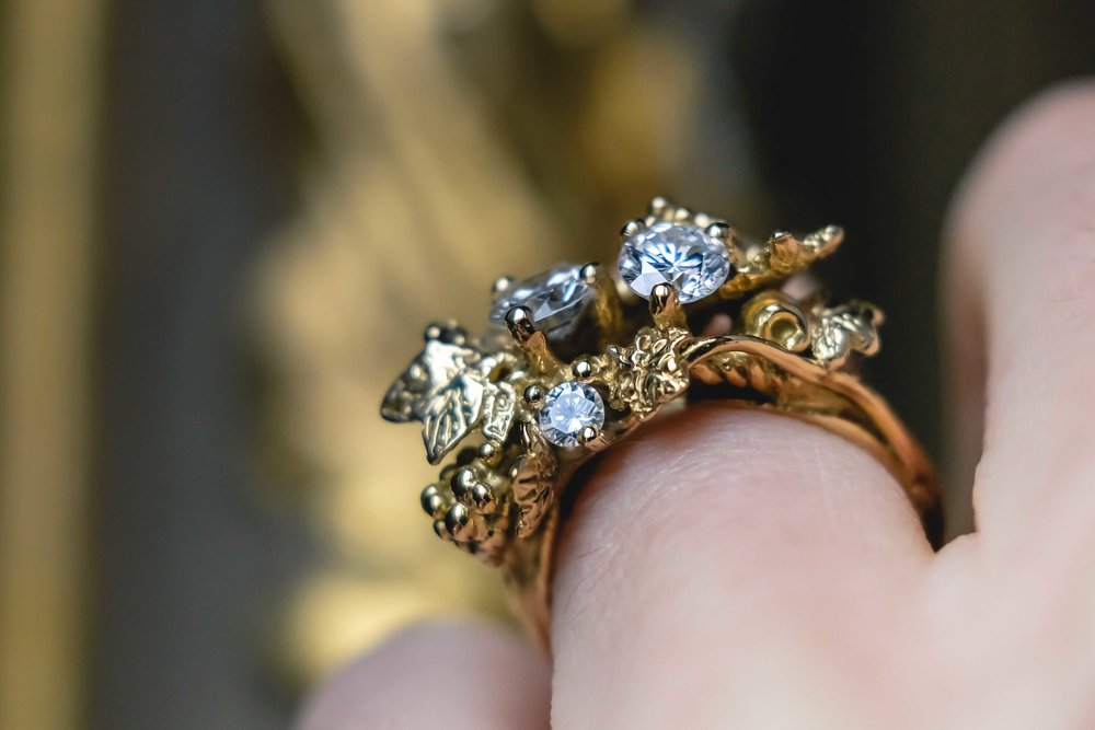 black-alchemy-ring-gold-diamonds-vitis-1-3.jpg
