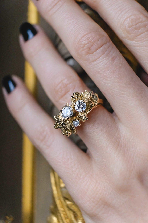 black-alchemy-ring-gold-diamonds-vitis-4-2.jpg