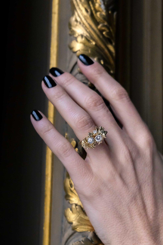 black-alchemy-ring-gold-diamonds-vitis-2-2.jpg