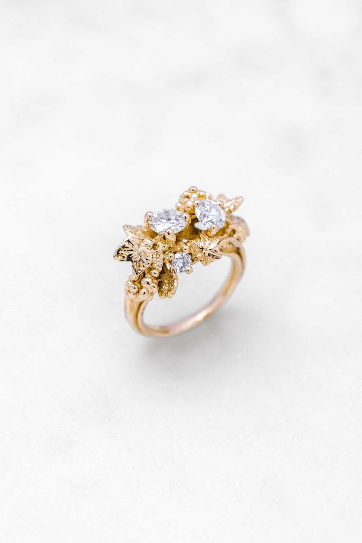 black-alchemy-ring-gold-diamonds-vitis-2-3.jpg