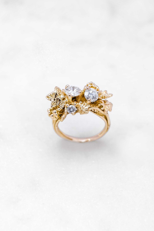black-alchemy-ring-gold-diamonds-vitis-1-4.jpg