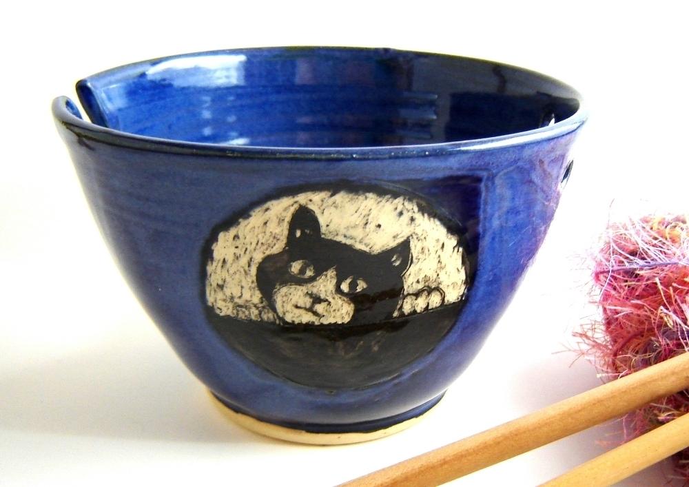 Peeking Tuxedo Kitten Yarn Bowl