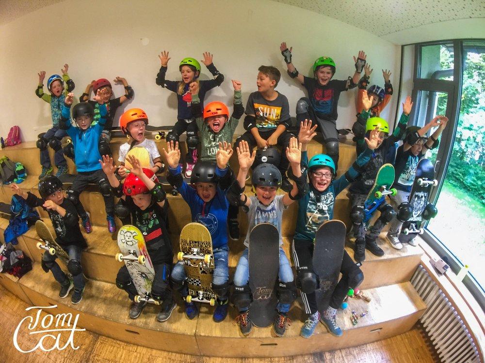 Skateboard fahren lernen Jugendcafe Bad Tölz Skateschule TomCatSkate.com.JPG