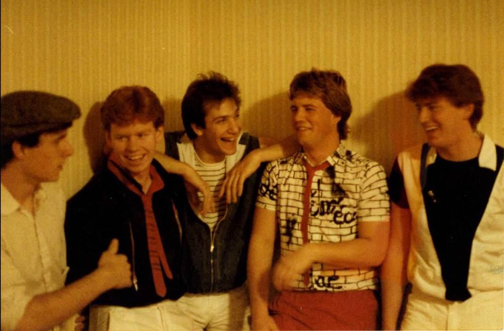 1984_willies_group_photo.jpg