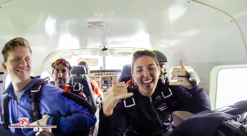 Skydiving Day-Video Screenshots-0004.jpg