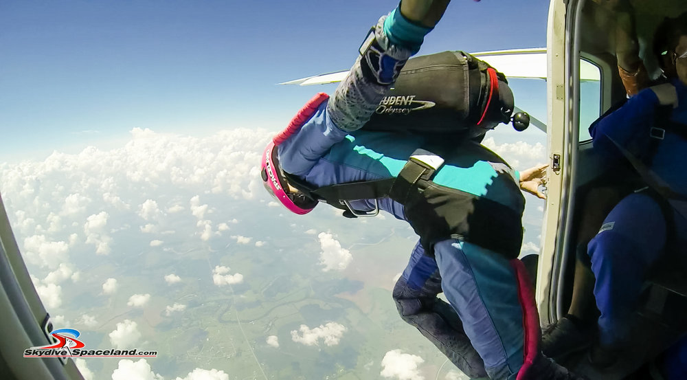 Skydiving Day-Video Screenshots-0016.jpg