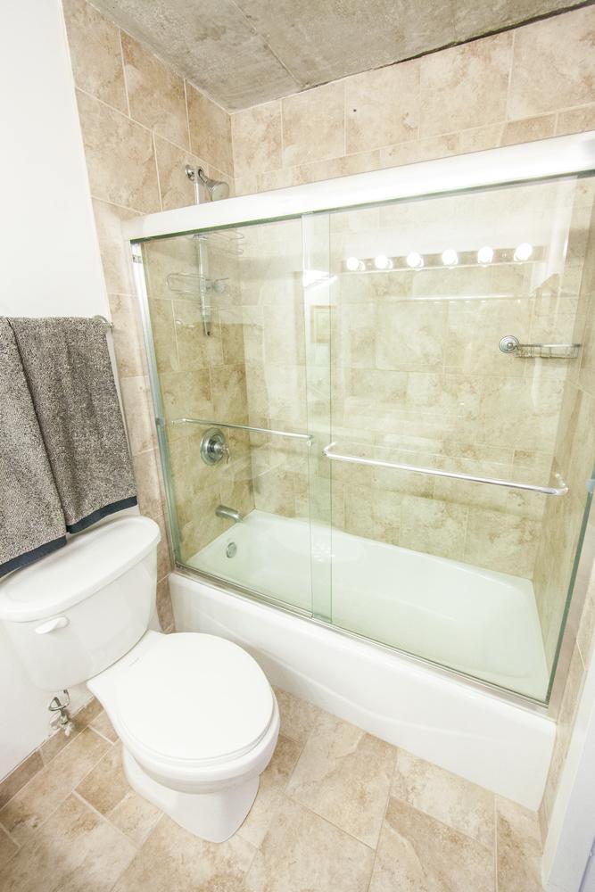 Bathroom_MG_5142.jpg