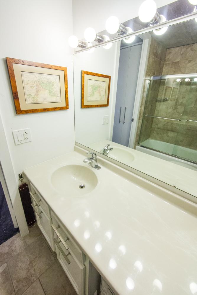 Bathroom_MG_5140.jpg