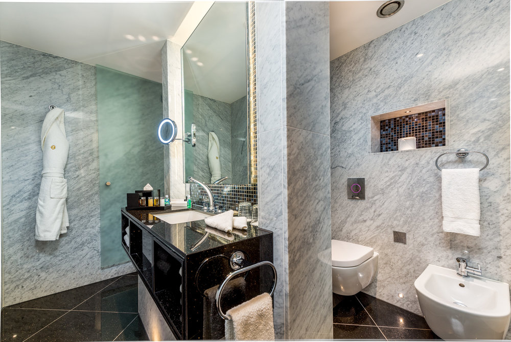 1706 Penthouse suite-1 (6).jpg