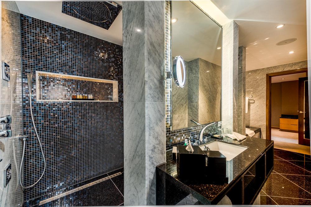 1706 Penthouse suite-1 (7).jpg