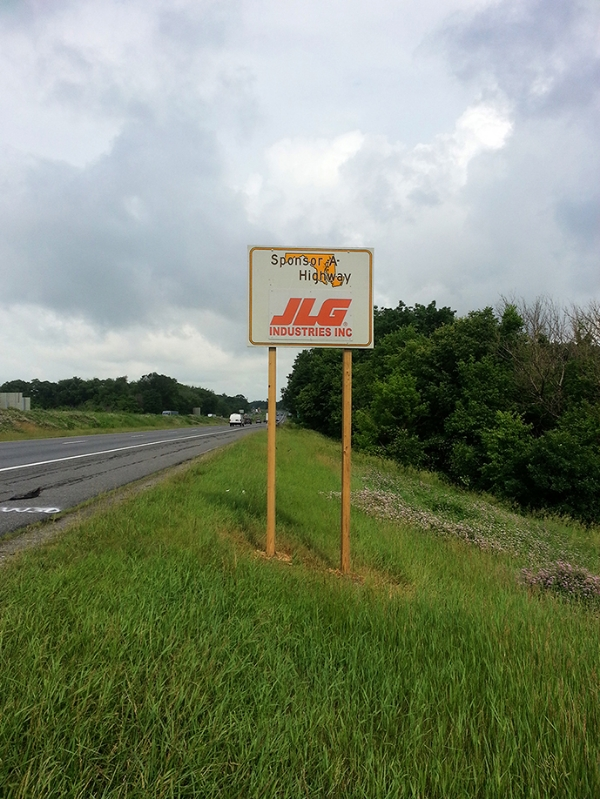 JLG Industries Sponsor A Highway sign