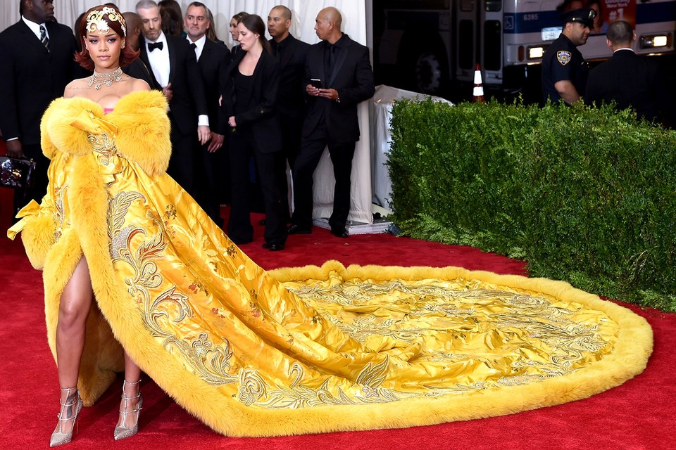 Rihanna's 2015 Met Gala ensemble, created by Guo Pei