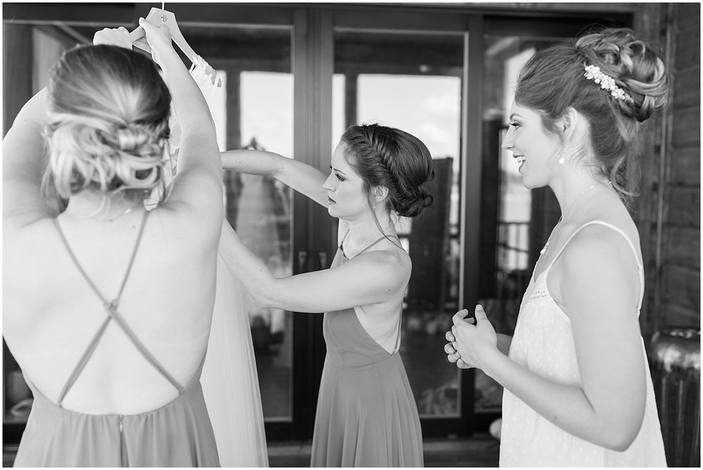 bridesmaids getting ready by Alyssa Parker Photography