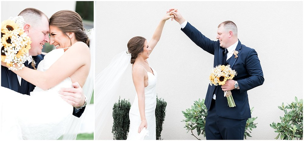 Cute wedding photo poses by Alyssa Parker Photography