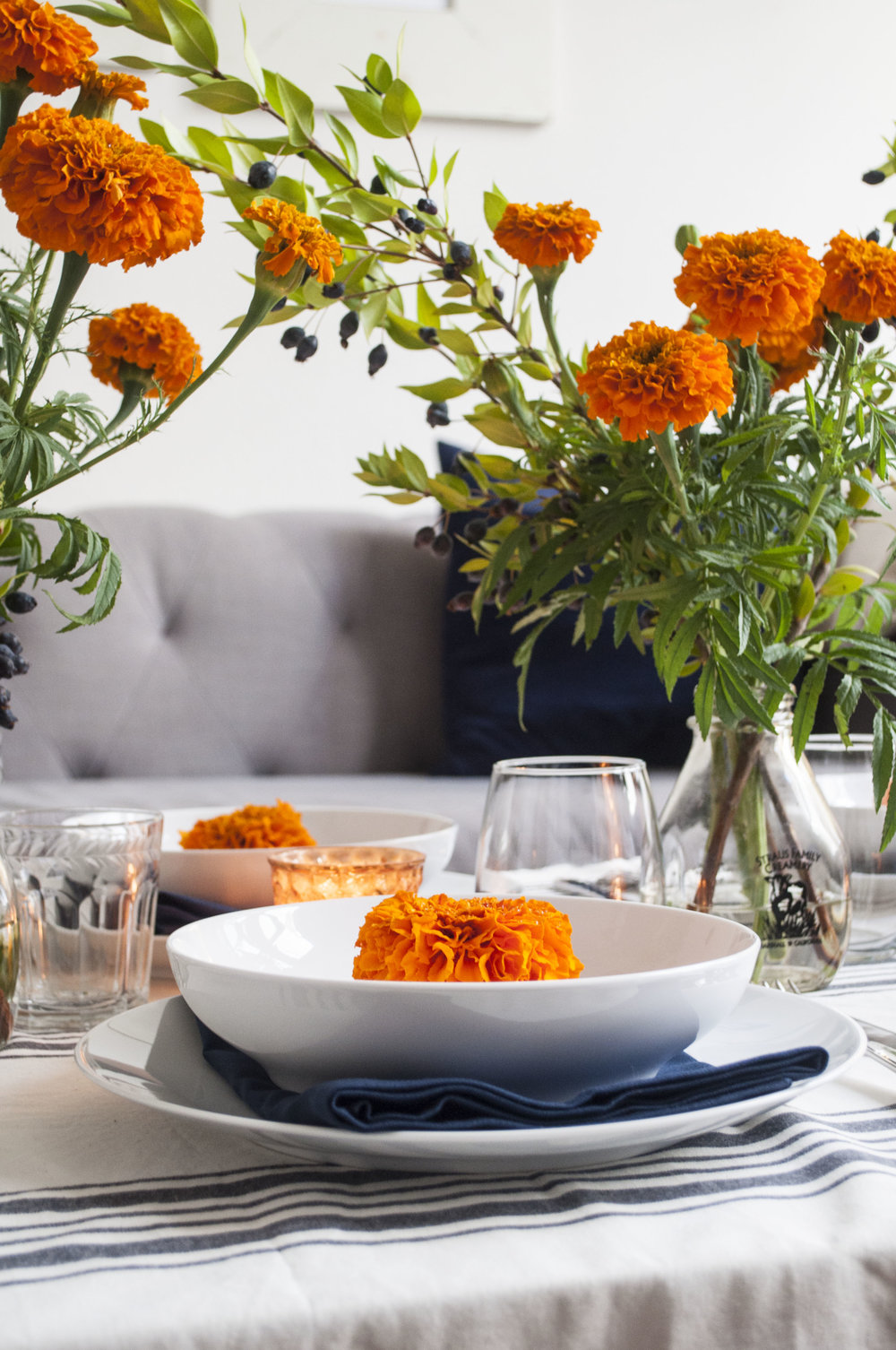table styling for dinner party at home