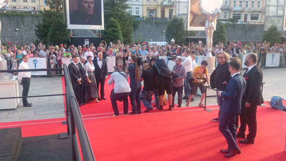 Red-carpet-KVIFF-2016_c.jpg