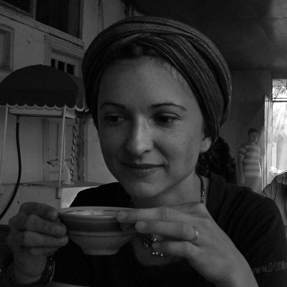 Joanna Kożuch - Režisérka, výtvarníčka a animátorka Joanna Kożuch vyštudovala Akadémiu výtvarných umení v Poznani a Sliezsku univerzitu v Katoviciach.V súčasnosti učí v Ateliéri animácie VŠMU v Bratislave, kde získala tiež doktorandský titul.