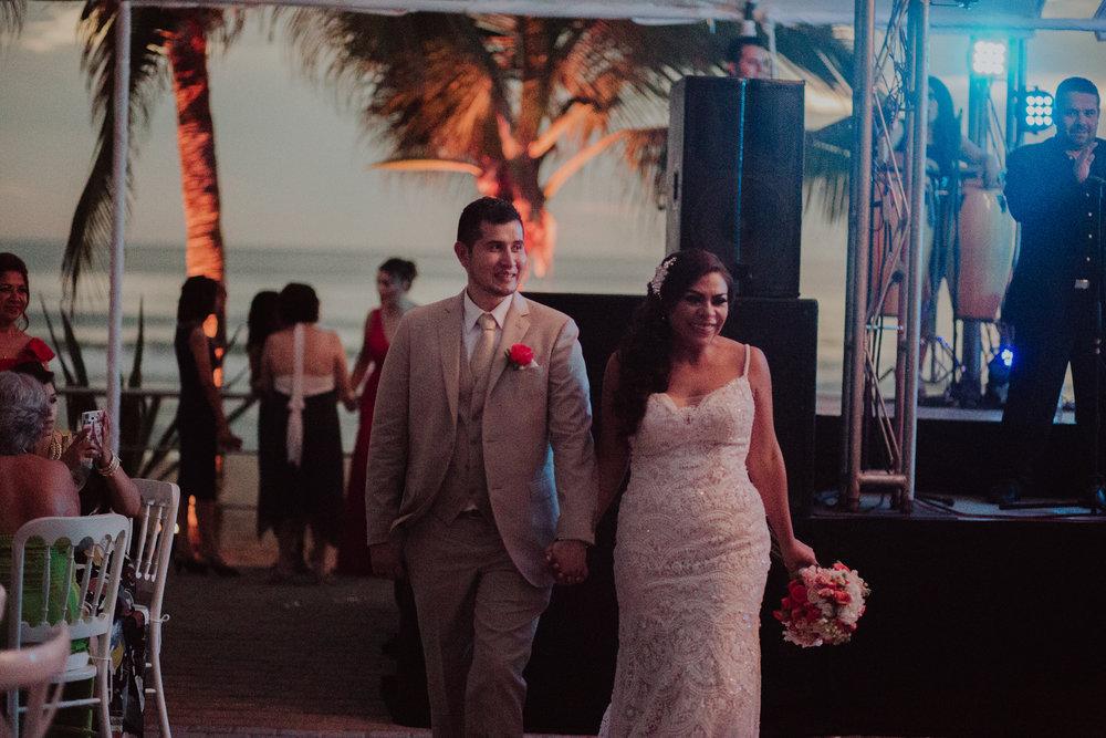 Boda_de_destino_en_mexico_mazatlan_sinaloa_wedding-198.jpg
