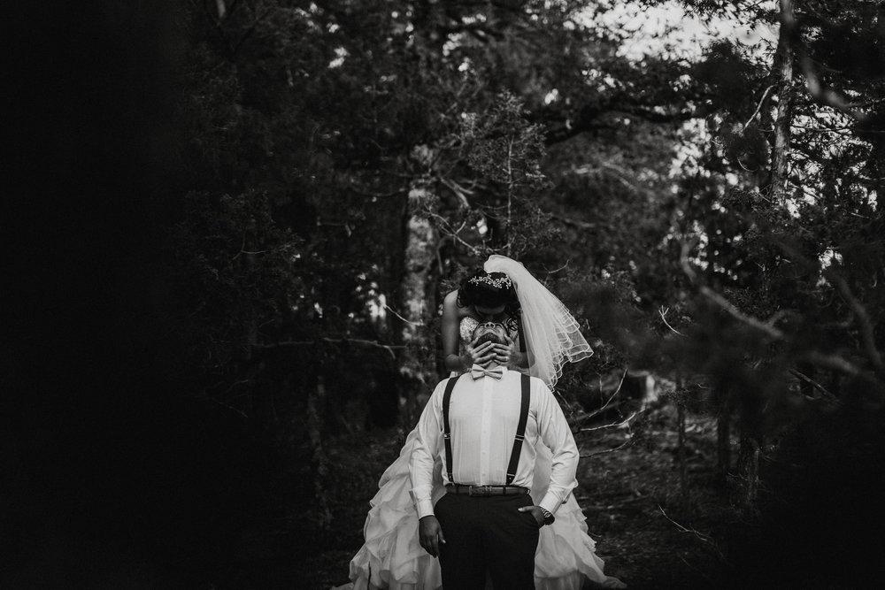 Sesion_trash_the_dress_en_las_cascadas-10.jpg