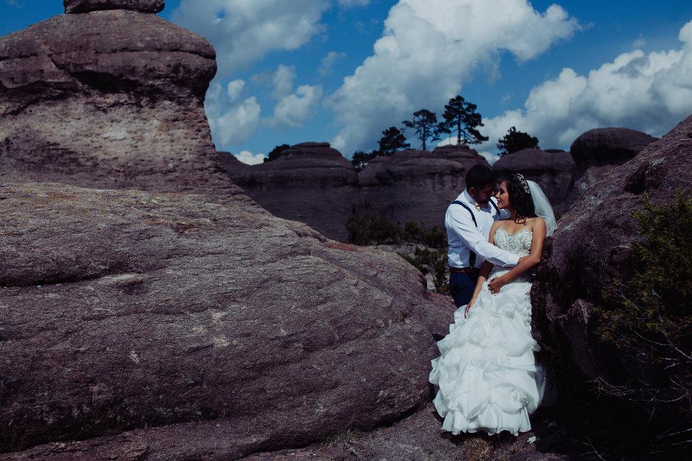 Sesion_trash_the_dress_en_las_cascadas-12.jpg