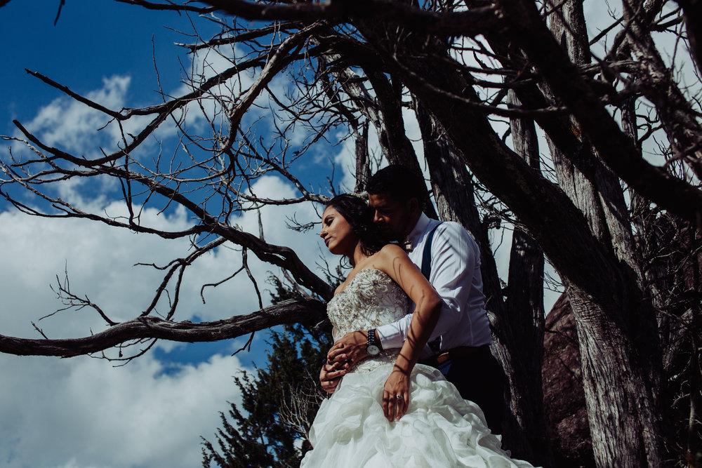 Sesion_trash_the_dress_en_las_cascadas-17.jpg