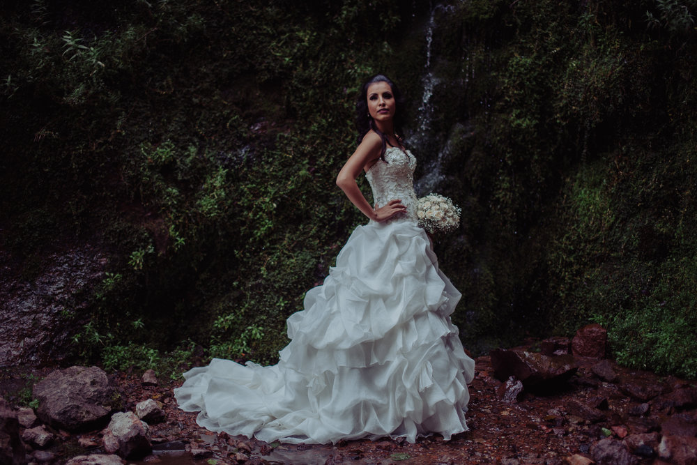 Sesion_trash_the_dress_en_las_cascadas-26.jpg
