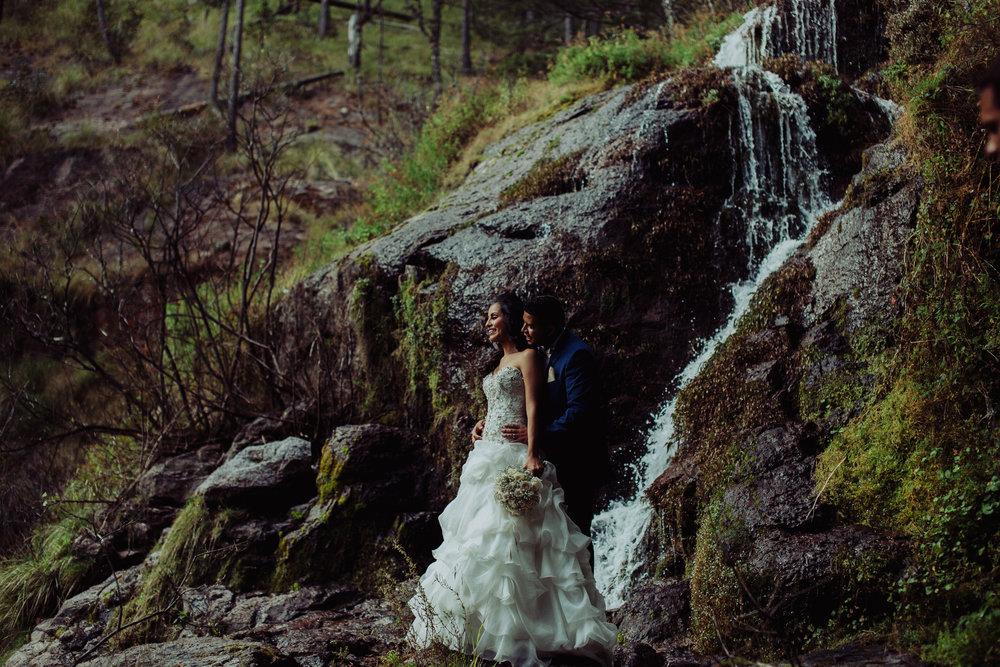 Sesion_trash_the_dress_en_las_cascadas-27.jpg