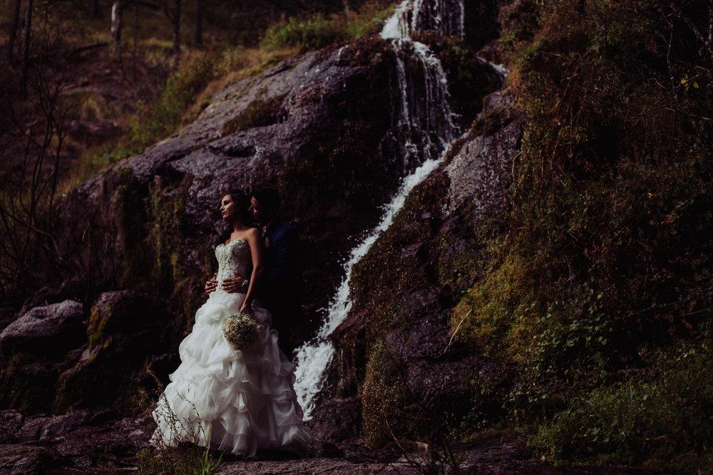 Sesion_trash_the_dress_en_las_cascadas-28.jpg