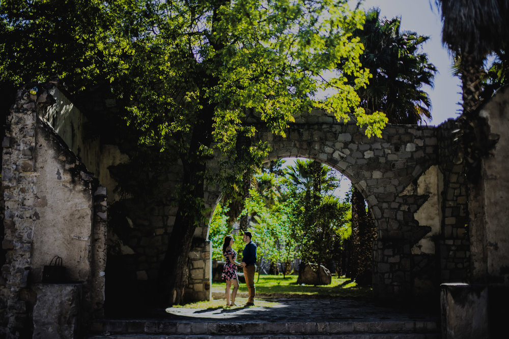 Sesion_de_novios_en_durango_pueblito_hacienda_crisana9.jpg