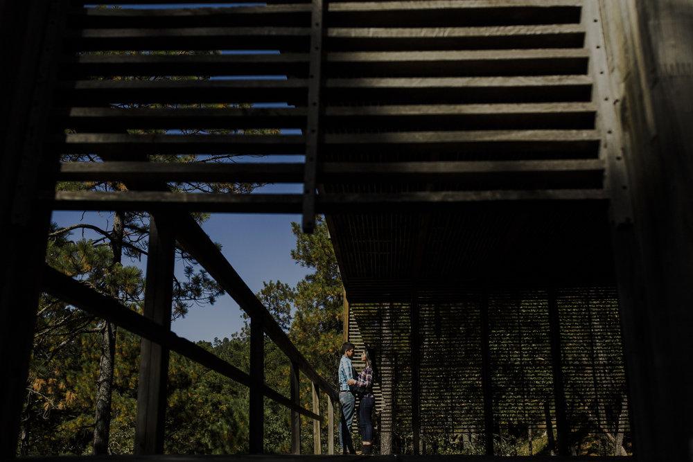 Sesion_pre_boda_en_puentecillas_lago_senderos_belinda_tere_15.jpg