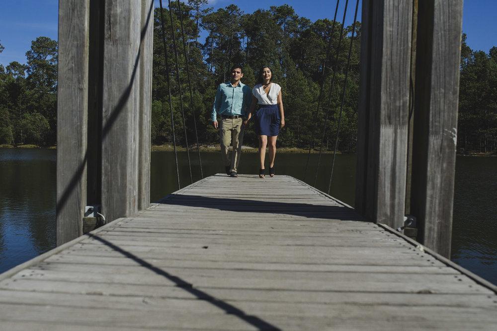 Sesion_pre_boda_en_puentecillas_lago_senderos_belinda_tere_25.jpg