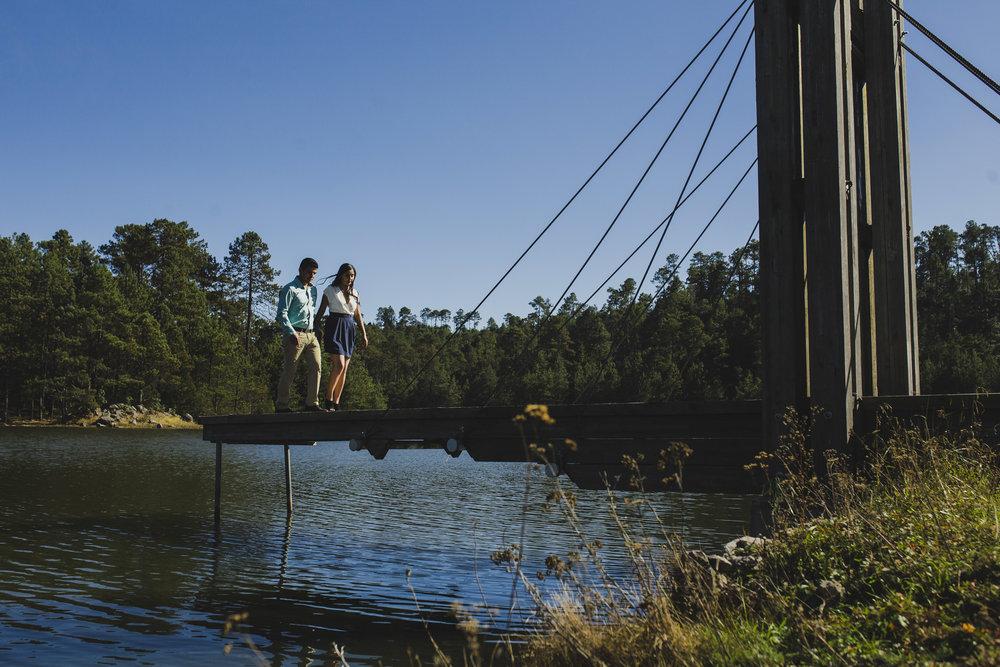 Sesion_pre_boda_en_puentecillas_lago_senderos_belinda_tere_28.jpg