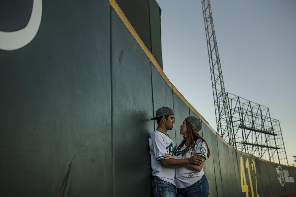 sesion_de_novios_en_estadio_beisbol_durango_06.jpg