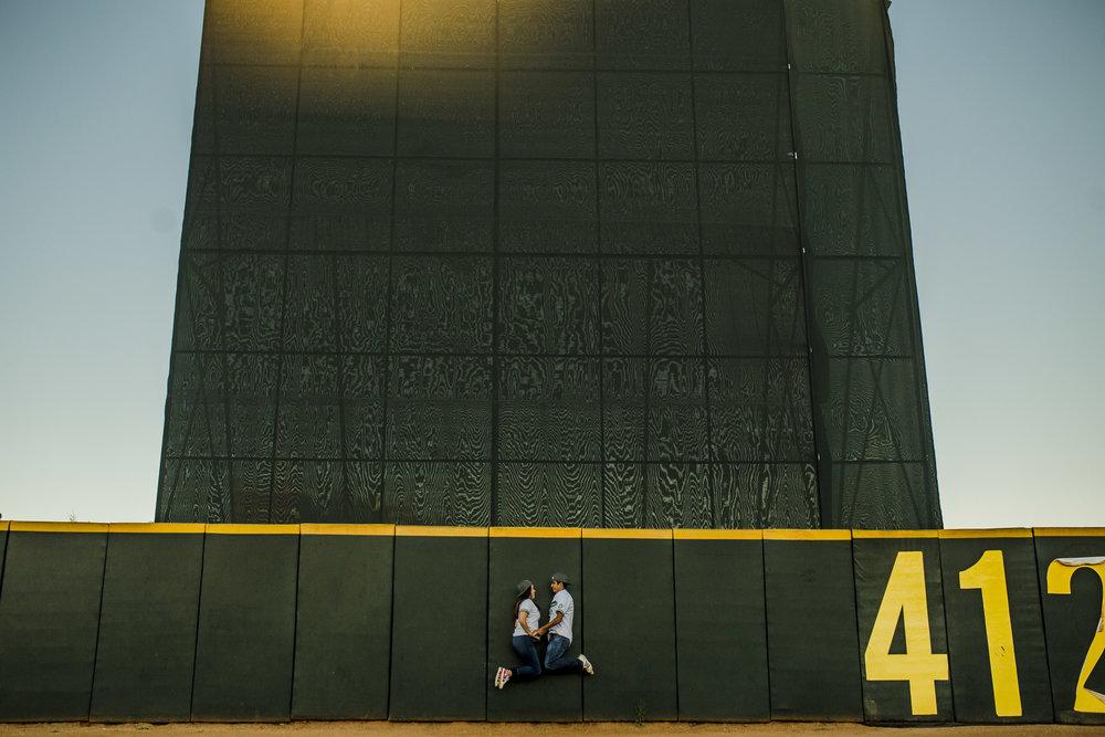 sesion_de_novios_en_estadio_beisbol_durango_08.jpg
