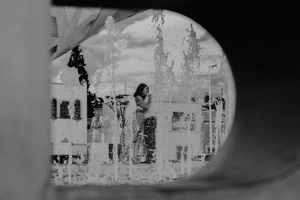 sesion_casual_pre_boda_en_plaza_hito_05.jpg