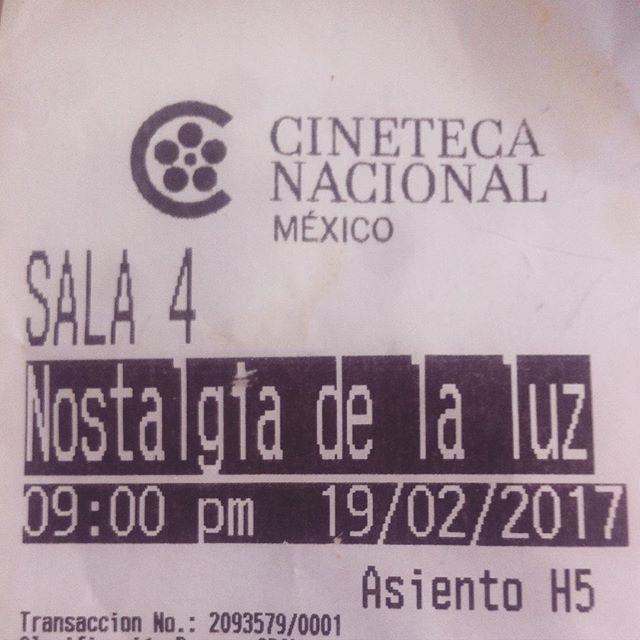#NostalgiaDeLaLuz  Un #documental de #PatricioGuzmán  #imperdible en @cinetecanacionalmx #CDMX #astronomía #arqueología #pasado #astros #nebulosas #telescopios #historia #chile
