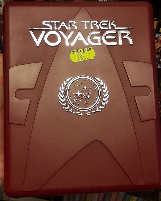 Where no man has gone before.. #Startrek #ViajeALasEstrellas #Voyager #GeneRodenberry #ncc1701 #Klington #starfleet #Spock #Scifi #trek #starfleet #nofilter #thingoftheday  #miraalcielo  Change is the essential process of all existence 🖖