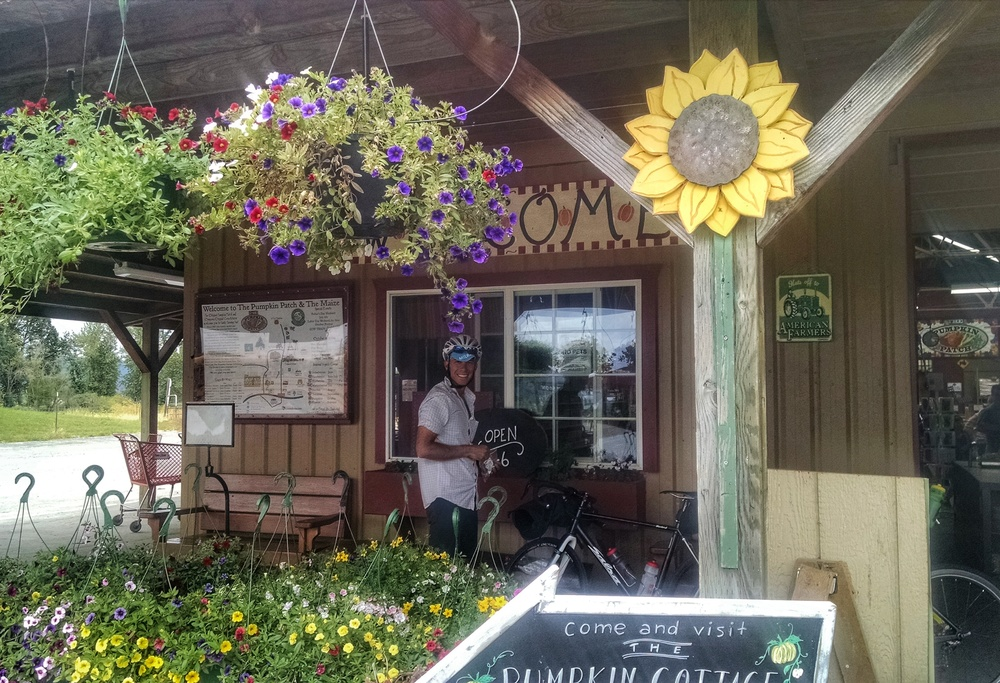 Sauvie Island- a little stop at a country store with fresh produce