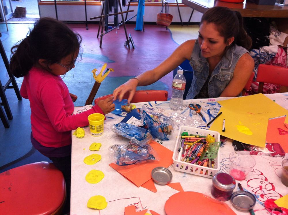 Even our youngest students love to paint! :) #youthinteractive #santabarbara #paint #art