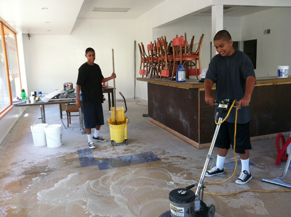 Floor cleaning was also the order of the day - thanks Eduardo and Nestor!!